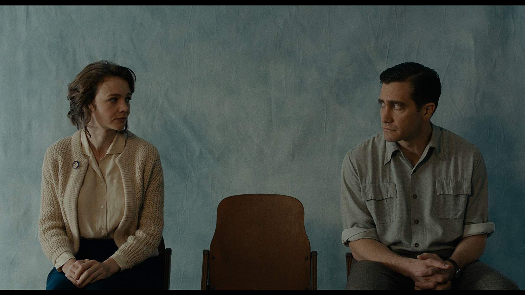 Starring Carey Mulligan, JakeGyllenhaalDir: Paul Dano (USA,2018, 105mins) Fourteen-year-old Joe is the onlychild of Jeanette and Jerry,a housewife and a golf pro,in a small town in 1960sMontana. Nearby, an uncontrolled forest fire rages close to the Canadianborder, and when Jerry loses his job, and his sense of purpose, he decides tojoin the cause of fighting the fire, leaving his wife and son to fend forthemselves. Suddenly forced into the role of an adult, Joe witnesses hismother's struggle as she tries to keep her head above water.(First Feature competition London FilmFestival 2018)